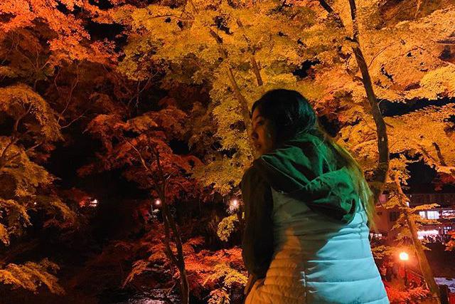 香嵐渓の紅葉風景